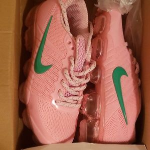 Nike Vapormax size 13 girls For sale.